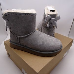 UGG Dixi Flora Perf Navy Boots Size 8 New In Box
